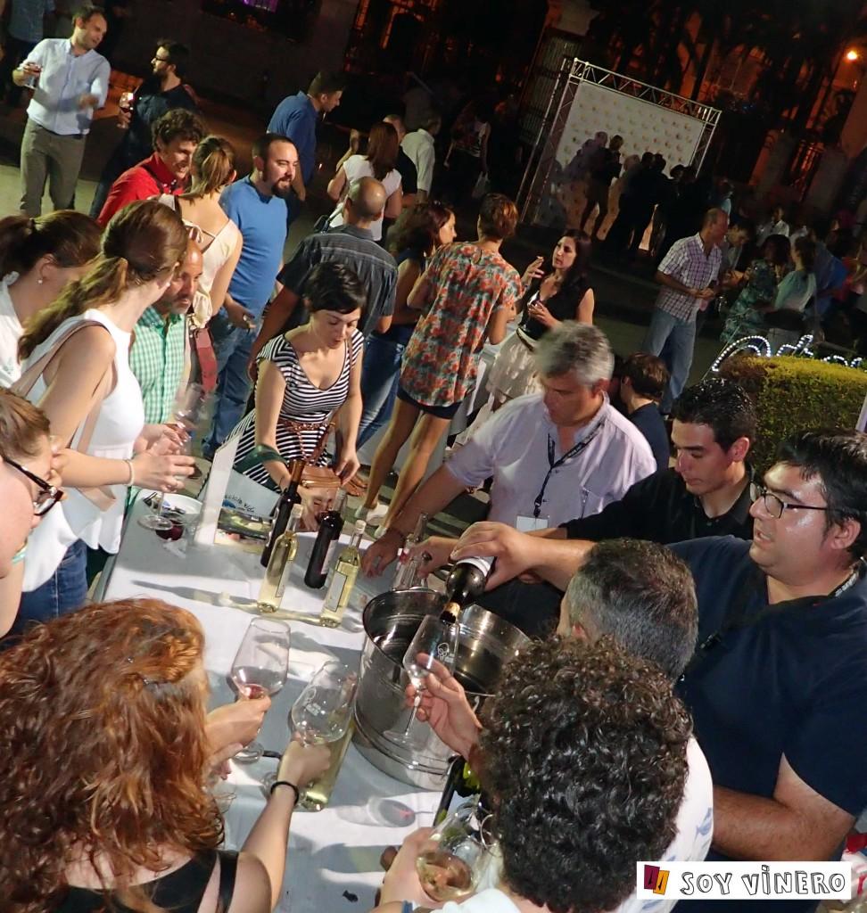 Bodegas Xaló sirviendo hasta la última gota de sus vinos.