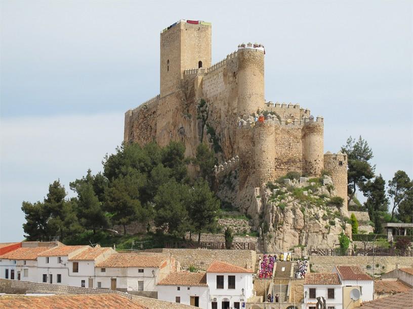 Castillo de Almansa (Castilla-La Mancha9. Fotografía: turismo Castilla-La Mancha.
