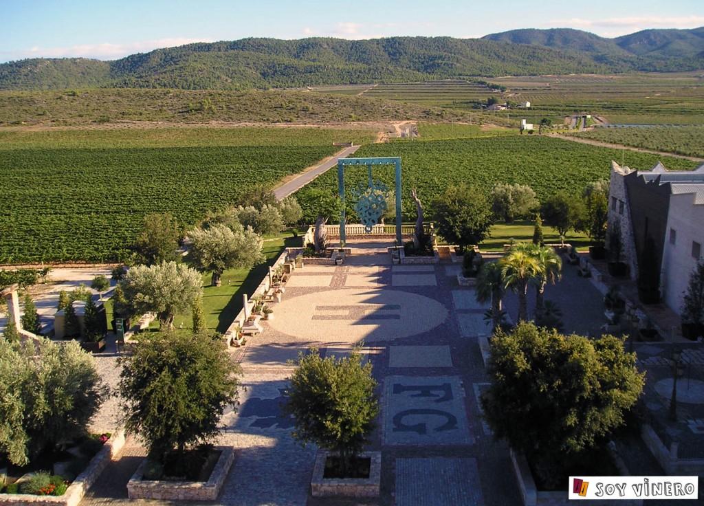 Amplias vistas desde el Mirador de bodegas Francisco Gómez, Villena.