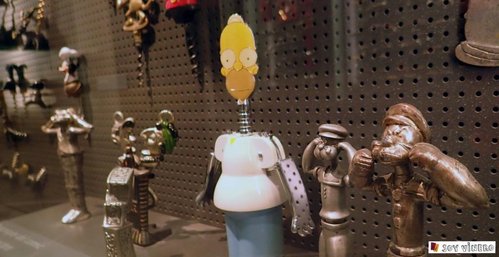 Sacacorchos de personajes de Los Simpson´s o Popeye. Museo Vivanco de la Cultura del Vino.