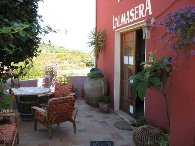 Casa Rural & Restaurante L'almàssera en Planes, Alicante.
