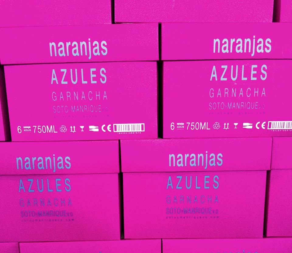 Cajas del vino rosado Naranjas Azules. Soto y Manrique.