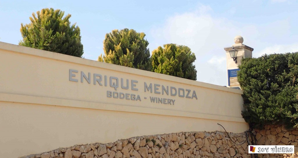 Entrada bodegas Enrique Mendoza. L'Alfàs del Pi, Alicante.