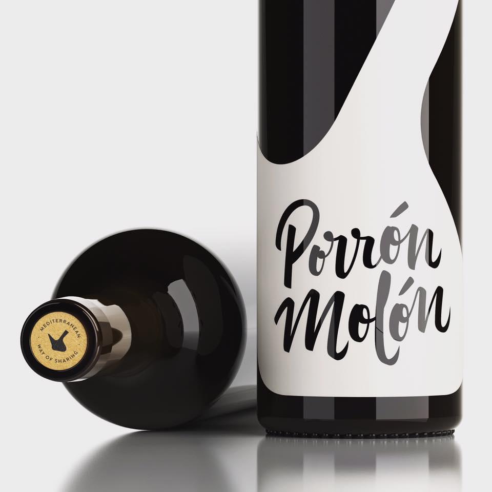 Recupera la buena costumbre de compartir vino con 'Porrón Molón'.