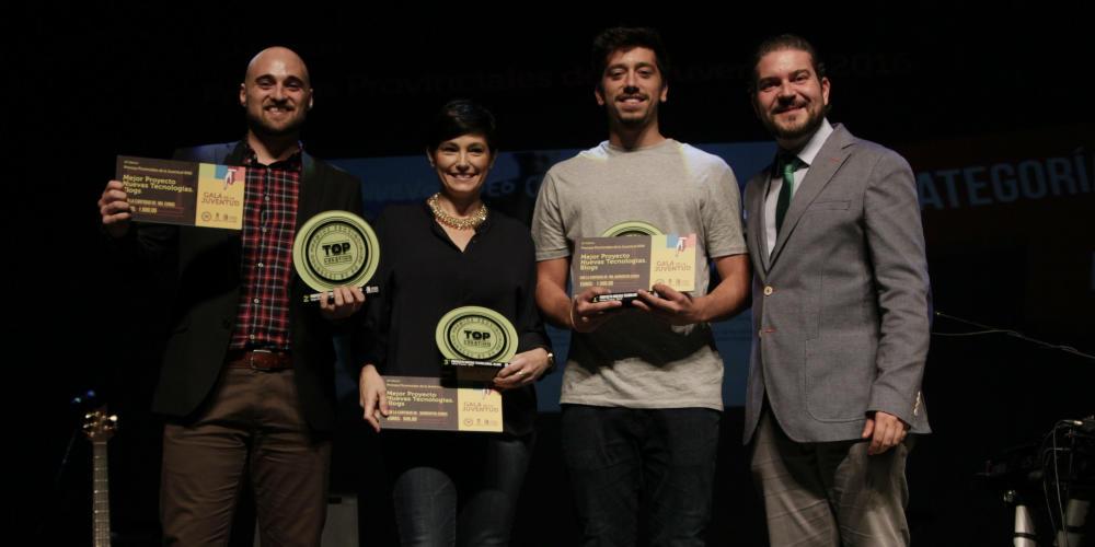 Blogs ganadores de izquierda a derecha: 'Soy vinero (2º), 'Azúcar con sal' (3º) y Pégame un viaje' (1º).
