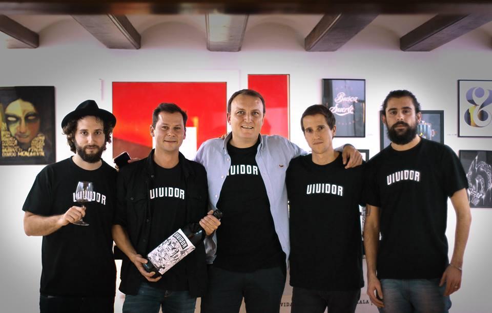 "Equipo de ""vividores"" bodegas Arráez y Kids. Antonio Marzal, Toni Arráez, Jabo Janini, Jorge y Paco Tuercas."